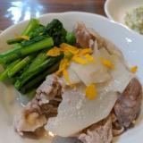 短時間で簡単♪上品なお味♡カブと豚肉のゆず白味噌煮