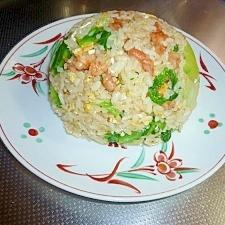 定番の食材で作る「レタスチャーハン」