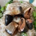 いわしの缶詰と薬味のっけ素麺