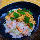 紅鮭と三つ葉の混ぜご飯