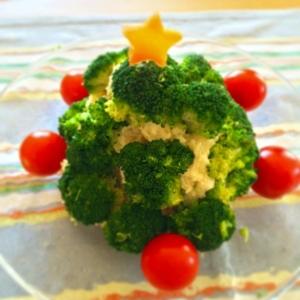 クリスマスツリーのポテサラ(ベタベタ触らない!)