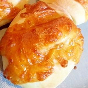 簡単★こんがりチーズのパン/ウィンナー入り