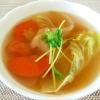 にんじんとレタスのコンソメスープ