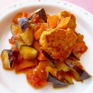 ヘルシー♪おからと鶏挽き肉のトマト煮込みハンバーグ