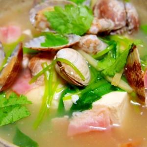 あさりとベーコンと豆腐の和風スープ仕立て