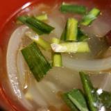 玉ねぎとニラのにんにくスープ