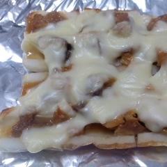 ちくわとサバの味噌煮缶のチーズのせ焼き