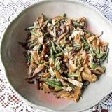 山菜と椎茸と油揚げの煮物