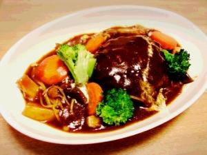 豆腐入り煮込みハンバーグ☆ 市販のソースで簡単♪