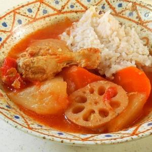 絶賛の骨付きチキンと根菜のあったかスープ