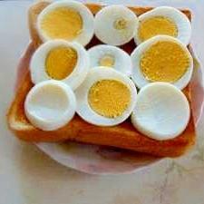 簡単 ゆで卵のトースト