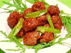 豚小間切れ肉を丸めて*醤油麹ケチャップ炒め