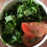 トマト、クレソン、大葉の粒マスタードサラダ