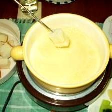 寒い夜は、チーズフォンデュで秋の味覚を楽しもう!!