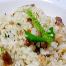 残った焼き鯖で混ぜご飯