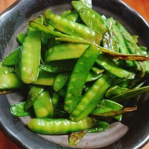 えんどうをごま油で中華風炒めのおつまみ