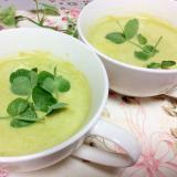 グリーンピースと新玉ねぎの豆乳スープ
