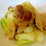 凍り豆腐と豚肉キャベツのにんにく炒め