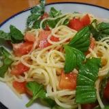 トスサラでトマトとバジルの冷製パスタ