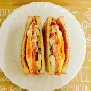 簡単♡食パンde卵と野菜のサンドイッチ