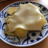 ミニトマトとポテト、ちりめんじゃこのチーズ焼き