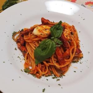 簡単!カプレーゼ風トマトソーススパゲッティ