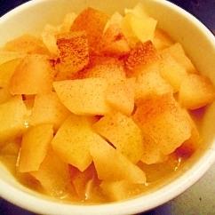 レンジで作る♪角切りリンゴのシナモン風味コンポート