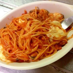 モッツァレラとろ〜り♪別茹で不要トマトパスタ