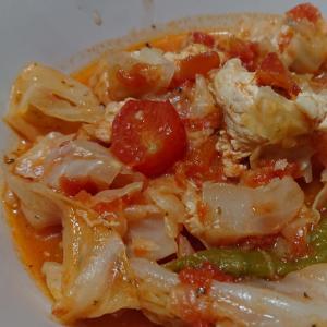 キャベツと鶏肉のトマトスープ