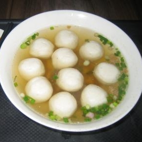 白身魚のすり身団子スープ