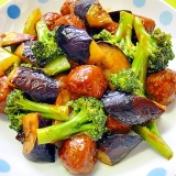 レトルト肉団子とブロッコリー茄子の炒め