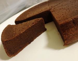 炊飯器で簡単!材料2つで作るガトーショコラ☆