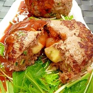塩麹であふれる肉汁☆チーズイン水菜バーグ