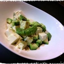 アボガドと豆腐のサラダ