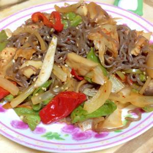 たっぷり野菜と糸こんのキムチ炒め