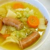 野菜とソーセージ、塩えんどう豆のスープ