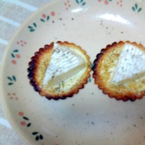 ハーベストとカマンベールチーズのおつまみ