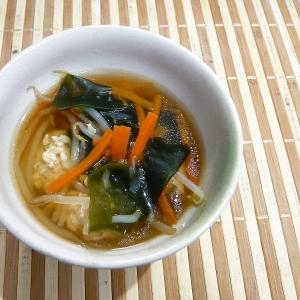 鶏団子ともやしのスープ