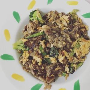 絶品!小松菜とたまごと牛肉のオイスターソース炒め
