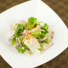 ペルー料理風お刺身サラダ(パクチー入り)