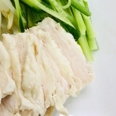もうパサパサしない!簡単でおいしい鶏むね肉の茹で方