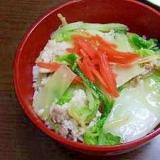 生姜がたっぷり入った白菜と豚肉のあんかけ丼