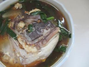 鯛のあらとニラの味噌汁