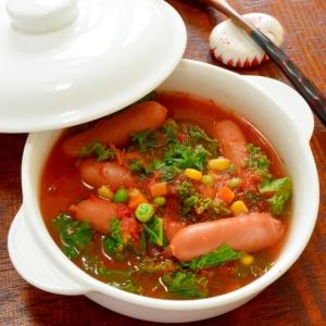 生トマトで作る!ケールとウインナーの栄養満点スープ