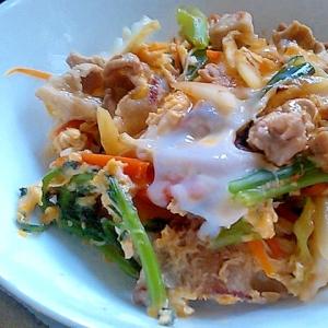 豚肉と彩り野菜の卵とじ