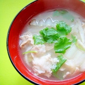 切り干し大根と白菜豚肉の味噌汁