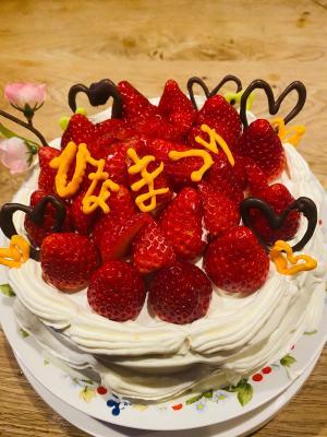 苺たくさんデコレーションケーキ ひなまつり