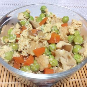 えんどう豆のカラフル卵とじ