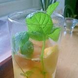 アールグレイ、レモンとミント、蜂蜜ソーダ水。