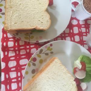 ローストビーフのサンドウィッチ